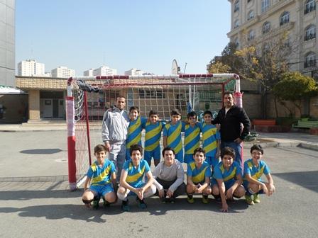 گزارش مسابقات فوتبال در منطقه 2