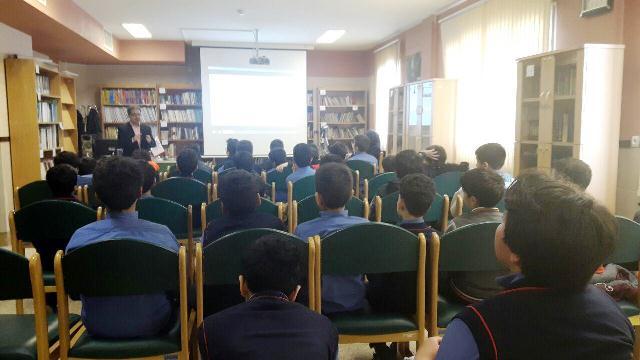 جلسه آموزش تربیت بهداشت مراقبت از خود تحت《 عنوان آشنایی با بلوغ 》 با حضور آقای دکتر مهرابی
